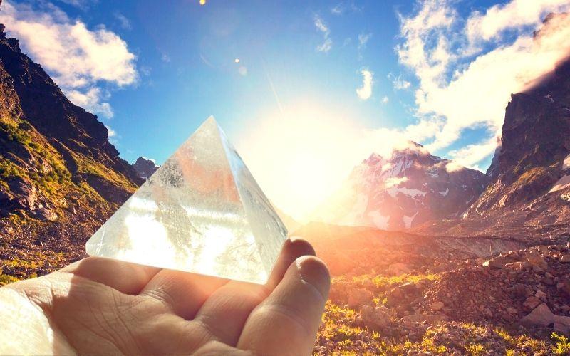 Bergkristall-Pyramide Sonne