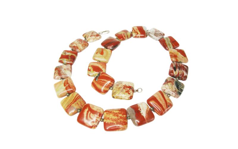 Kette-aus-rotem-Jaspis schön