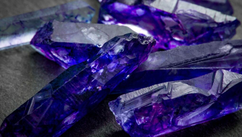 Tansanit Edelstein Mineralien